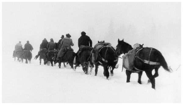 Snow scene in Day of the Outlaw