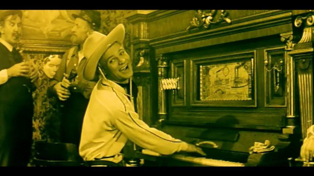 Lemonade Joe at the piano in Lemonade Joe 1964